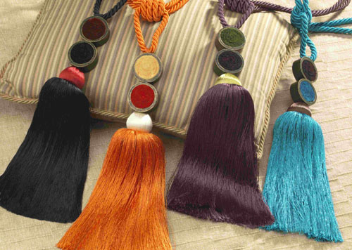 Curtain tiebacks and tassels