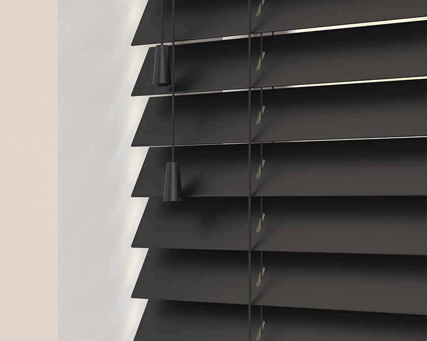 Sunwood Blind in Carbon black